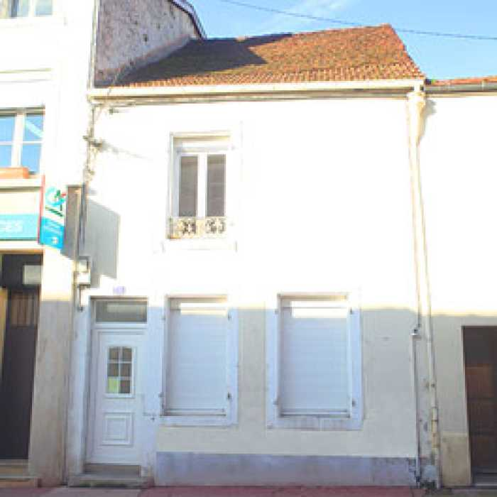 VENTE IMMEUBLE 4 pices - BOURBONNE LES BAINS
