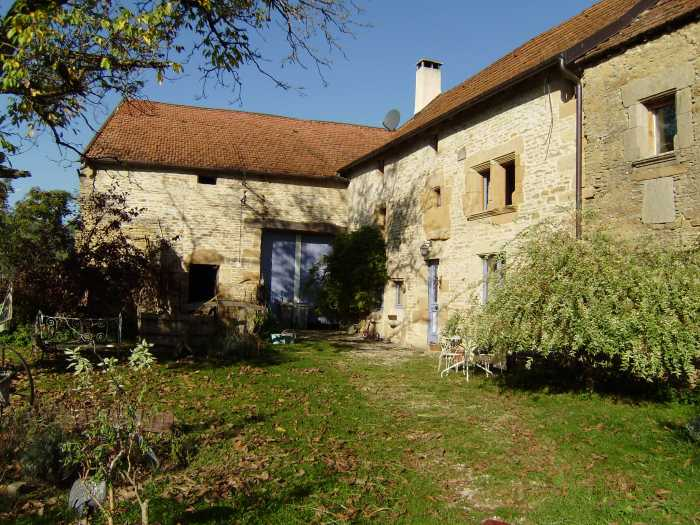 VENTE CORPS DE FERME 5 pices - VAUX SOUS AUBIGNY