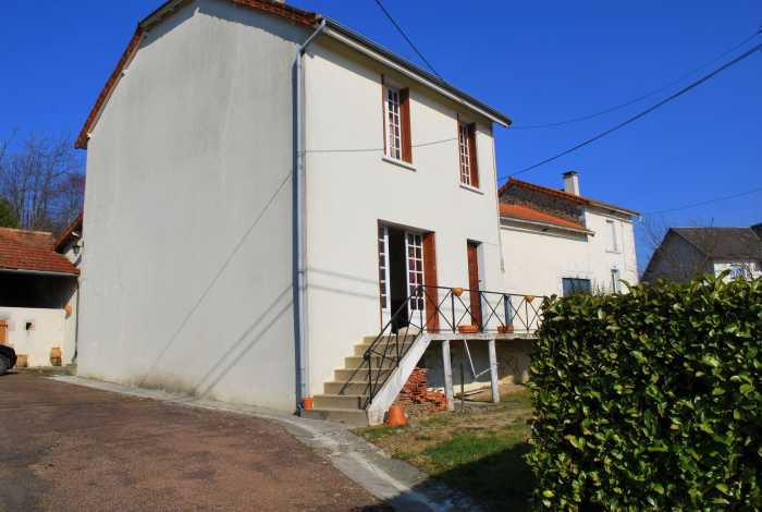 VENTE MAISON 6 pices - PIEGUT PLUVIERS