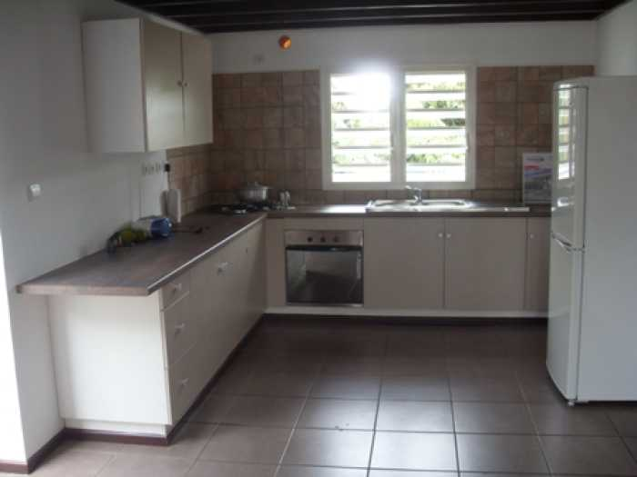 LOCATION MAISON 4 pices - SAINT PIERRE