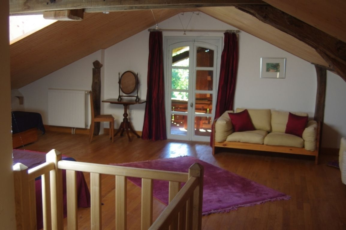 Large hamlet B&B property with additional registered handicapped suite on 1.5 acres in the Ariege National Park