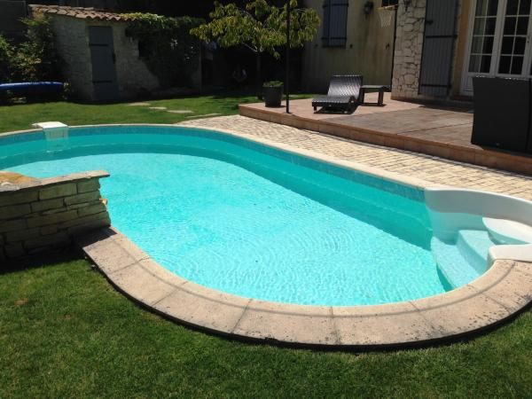 Anderson associes maison cabries 482 for Piscine cabries