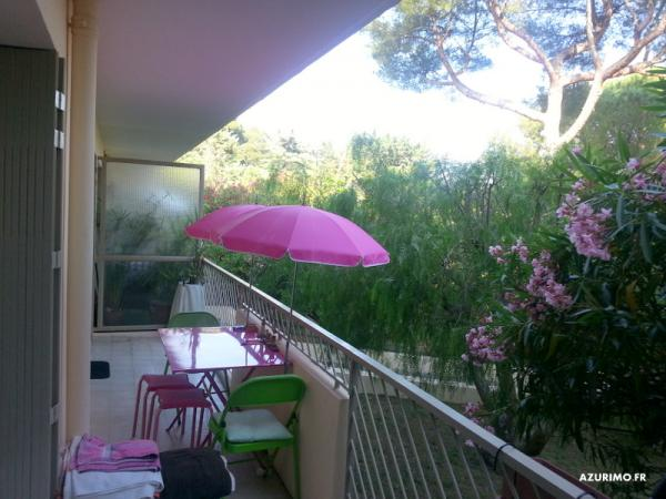 A 5 mn du port de SANARY  appartement terrasse de 3 pieces expo Sud