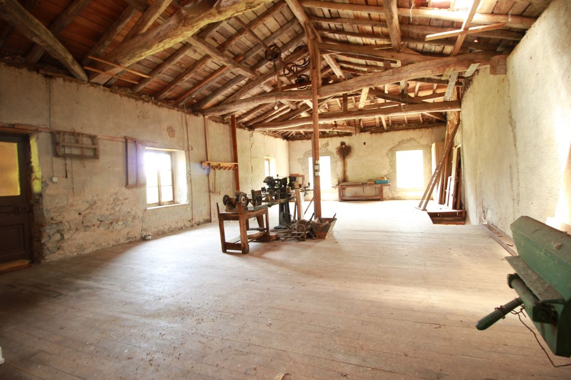 PROPRIETE MOULIN 5 CHAMBRES DEPENDANCES PRES 3 HECTARES- PROJET CHAMBRES HOTES GITE