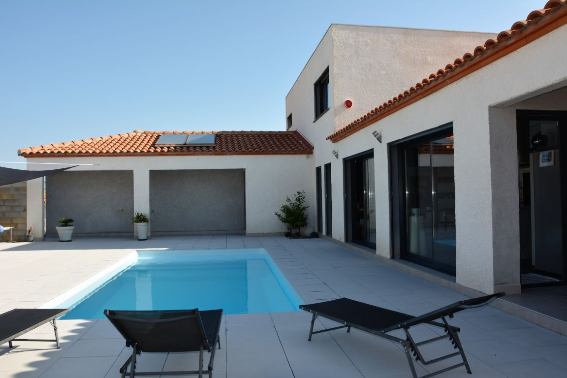 SUPERBE VILLA CONTEMPORAINE 4 FACES 140 M² AVEC PISCINE