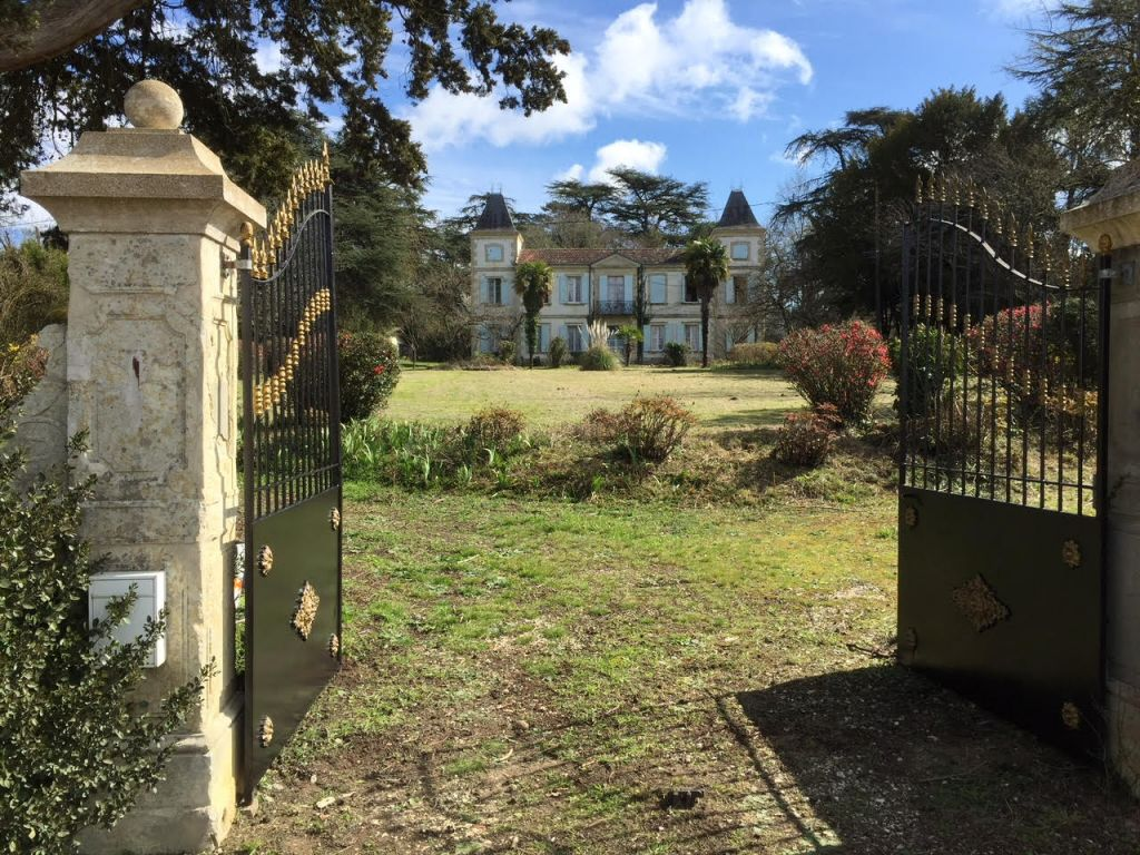 Elegant chateau dating from 1880 with 5.5 acres of attractive wooded grounds. Offering approximately 370m2 of living space on 2 levels.  The property is generally in good order