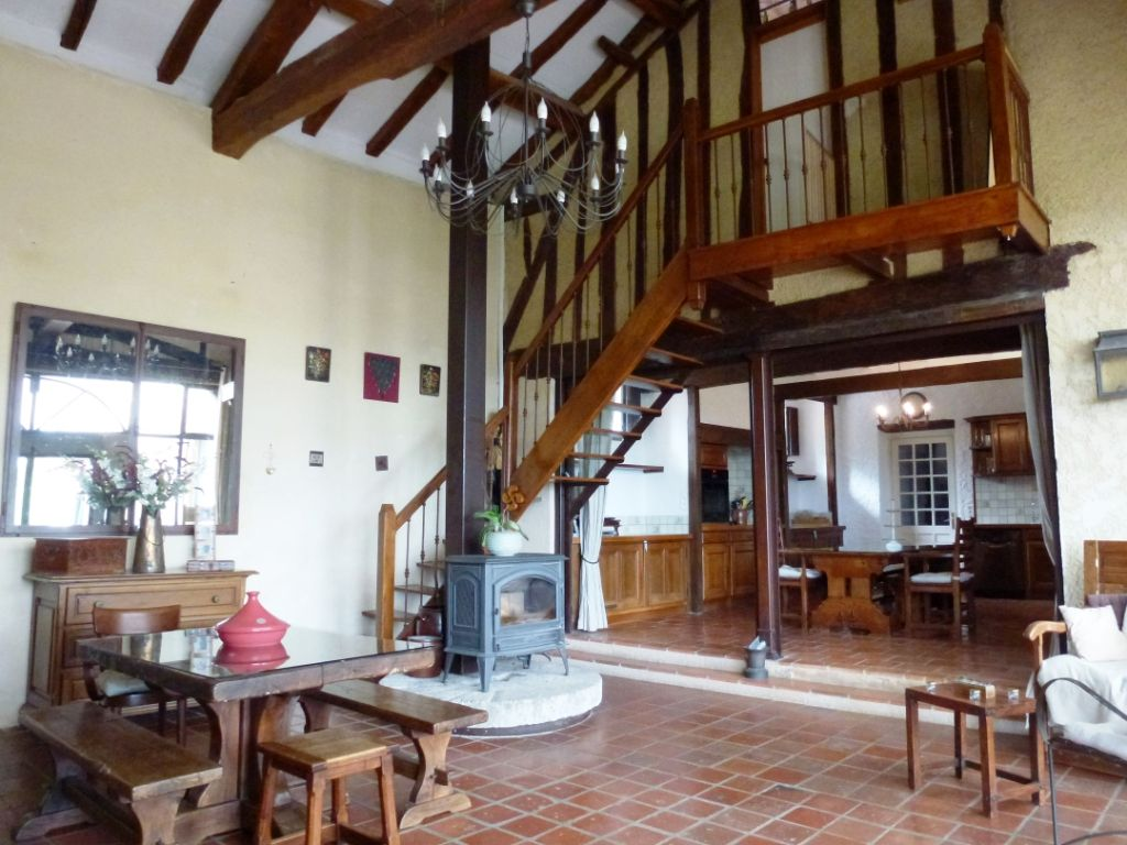 Quality renovation, implemented with care and imagination to retain the character of the property.  Spectacular views from this property of rolling countryside, with the Pyrénées beyond and the attractive fenced grounds of 3.5 acres.