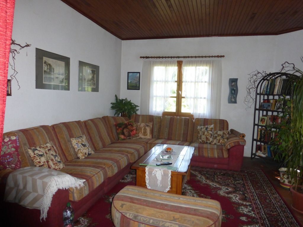 Property ideal for animal lovers, vegetable cultivation or other projects with 7 acres of land.