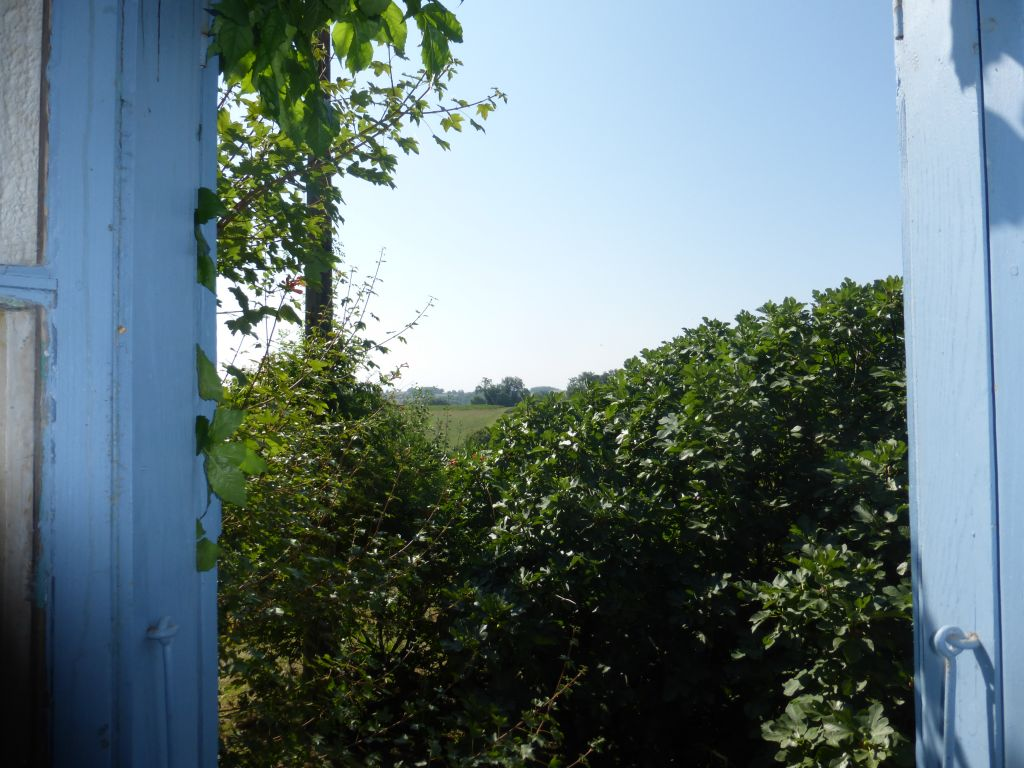 House, outbuildings and large shed with beautiful views over the countryside