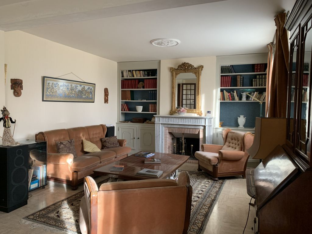 Spacious town house with garden in good order throughout.